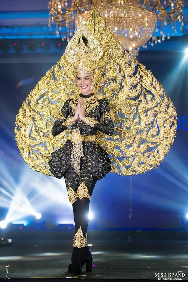 Ngắm những trang phục dân tộc ấn tượng của các hoa hậu thế giới tại Miss Grand International 2018 - Ảnh 3.