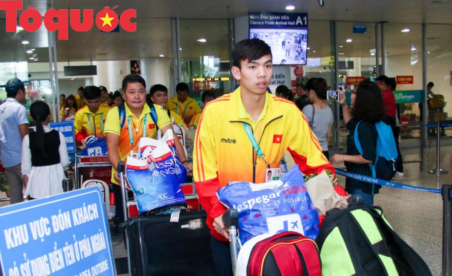 Đoàn thể thao Olympic trẻ Việt Nam về nước sau kỳ Đại hội thành công vượt ngoài kỳ vọng - Ảnh 3.