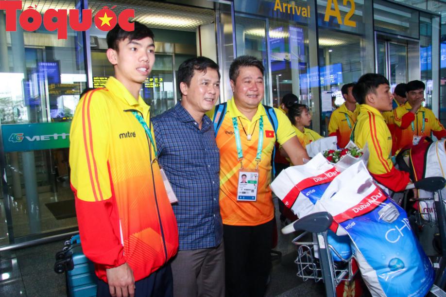 Đoàn thể thao Olympic trẻ Việt Nam về nước sau kỳ Đại hội thành công vượt ngoài kỳ vọng - Ảnh 7.