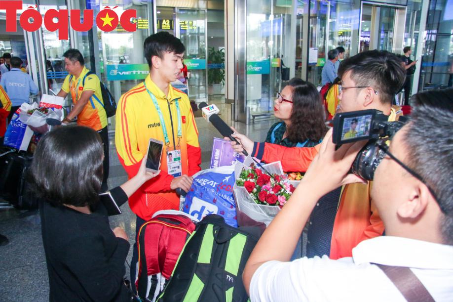 Đoàn thể thao Olympic trẻ Việt Nam về nước sau kỳ Đại hội thành công vượt ngoài kỳ vọng - Ảnh 8.