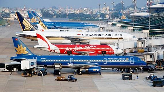 Bộ GTVT đề xuất giá vé máy bay nội địa từ 1,6 - 3,75 triệu đồng - Ảnh 1.