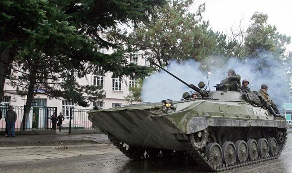 Nga hé lộ vành đai phòng thủ mới nếu Ukraine, Georgia vào NATO - Ảnh 1.