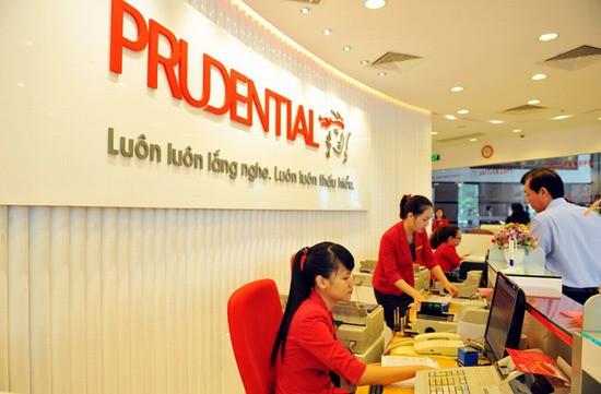 Các hãng bảo hiểm tại Việt Nam đang chi trả khoảng 2.500 tỷ đồng cho khách hàng trong tháng - Ảnh 1.