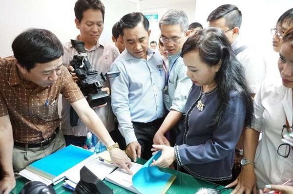 8 phòng khám Trung Quốc ở Sài Gòn bị phạt 1 tỷ đồng - Ảnh 1.