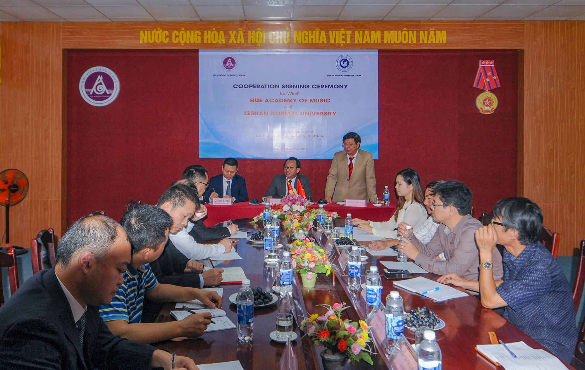 Hợp tác đào tạo giữa Học viện Âm nhạc Huế và Trường Đại học Lạc Sơn, Trung  Quốc