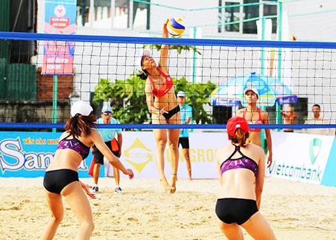 Khánh Hòa xuất sắc giành trọn 2 Huy chương Vàng tại Giải Bóng chuyền bãi biển - Ảnh 1.
