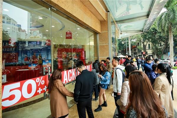 61 trung tâm thương mại Vincom trên cả nước sẽ giảm giá sốc từ ngày mai - Ảnh 1.