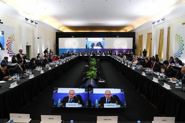 WTO đang đối diện với 3 cuộc khủng hoảng - Ảnh 1.