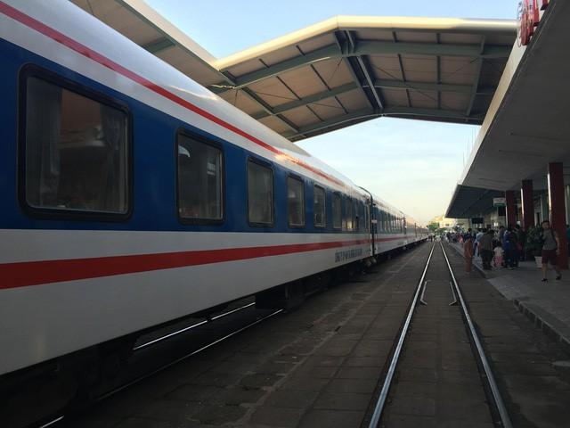 Đường sắt VN giảm giá vé tàu dịp 20/11 và 22/12  - Ảnh 1.