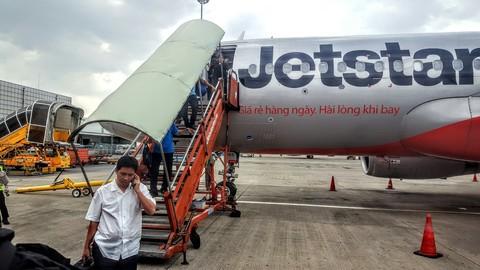 """Jetstar Pacific: Có hay không việc """"cố tình"""" đẩy khách hàng vào chỗ khó - Ảnh 1."""
