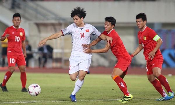Kết thúc hiệp 1: Đội tuyển Việt Nam dẫn trước 2-0 trước Lào, Công Phượng, Anh Đức lập công - Ảnh 4.