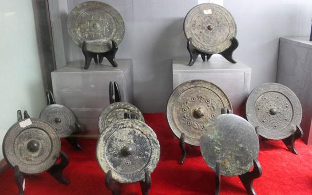Thanh Hóa: Trưng bày hơn 1000 tư liệu tại triển lãm Không gian Di sản văn hóa Việt Nam - Ảnh 1.