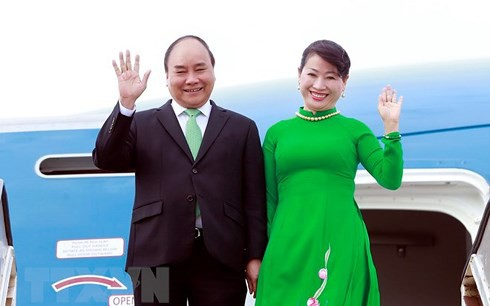 Thủ tướng và Phu nhân chuẩn bị tham dự Hội nghị cấp cao ASEAN lần thứ 33 - Ảnh 1.