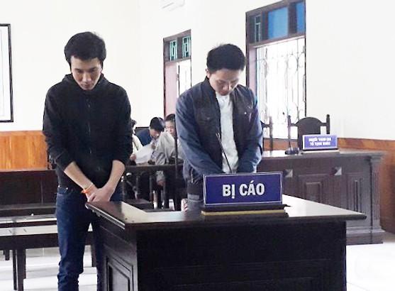 2  cựu sinh viên Lào của Đại học Hà Tĩnh góp tiền buôn ma túy - Ảnh 1.