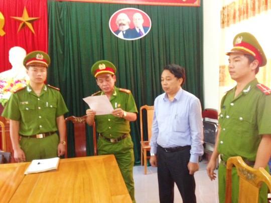 Vì sai phạm đất đai, nhiều lãnh đạo huyện ở Hà Tĩnh bị kỷ luật - Ảnh 1.