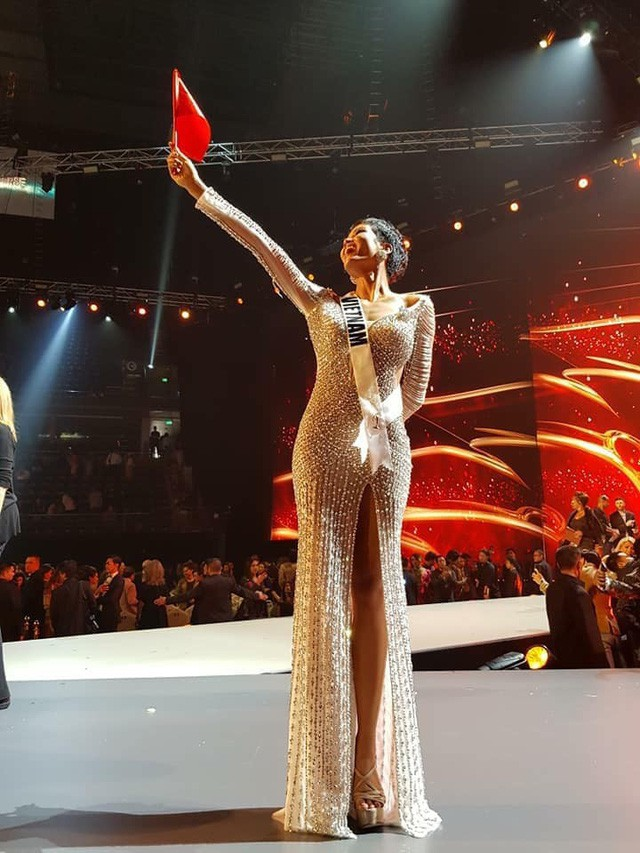 Tạo nên lịch sử cho sắc đẹp Việt Nam, Hoa hậu H'Hen Niê được viết tặng riêng ca khúc - Ảnh 2.
