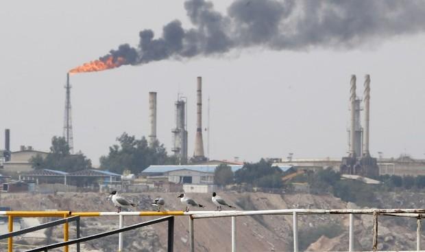 Vượt lên đòn trừng phạt dầu mỏ, Iran – Thổ tính kế đánh bật đồng bạc xanh - Ảnh 1.