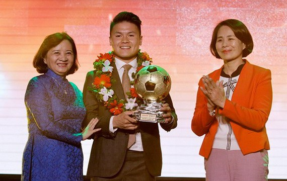 Danh hiệu cao quý Quả bóng vàng năm 2018 gọi tên Quang Hải - Ảnh 1.
