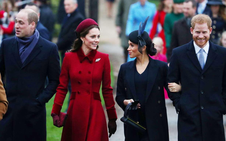 Những hình ảnh hiếm hoi cùng xuất hiện của 2 cặp đôi Hoàng gia William-Kate và Harry-Meghan - Ảnh 2.