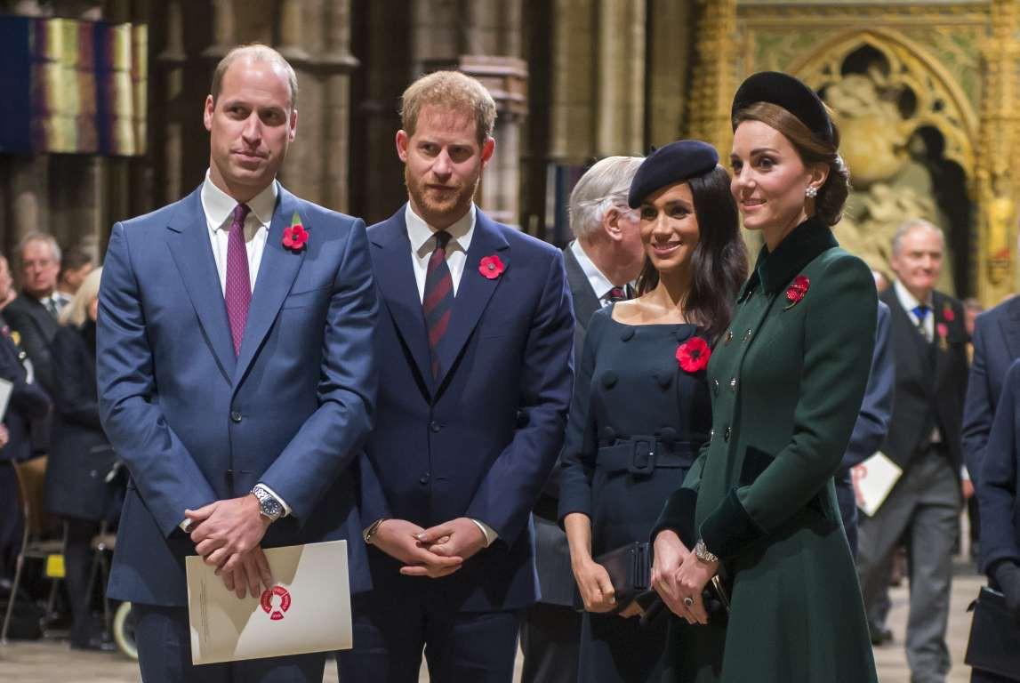 Những hình ảnh hiếm hoi cùng xuất hiện của 2 cặp đôi Hoàng gia William-Kate và Harry-Meghan - Ảnh 1.