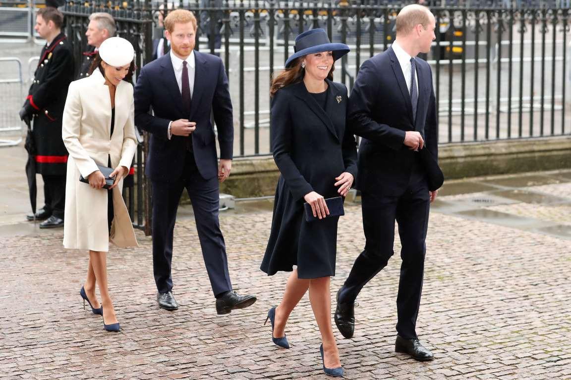 Những hình ảnh hiếm hoi cùng xuất hiện của 2 cặp đôi Hoàng gia William-Kate và Harry-Meghan - Ảnh 4.