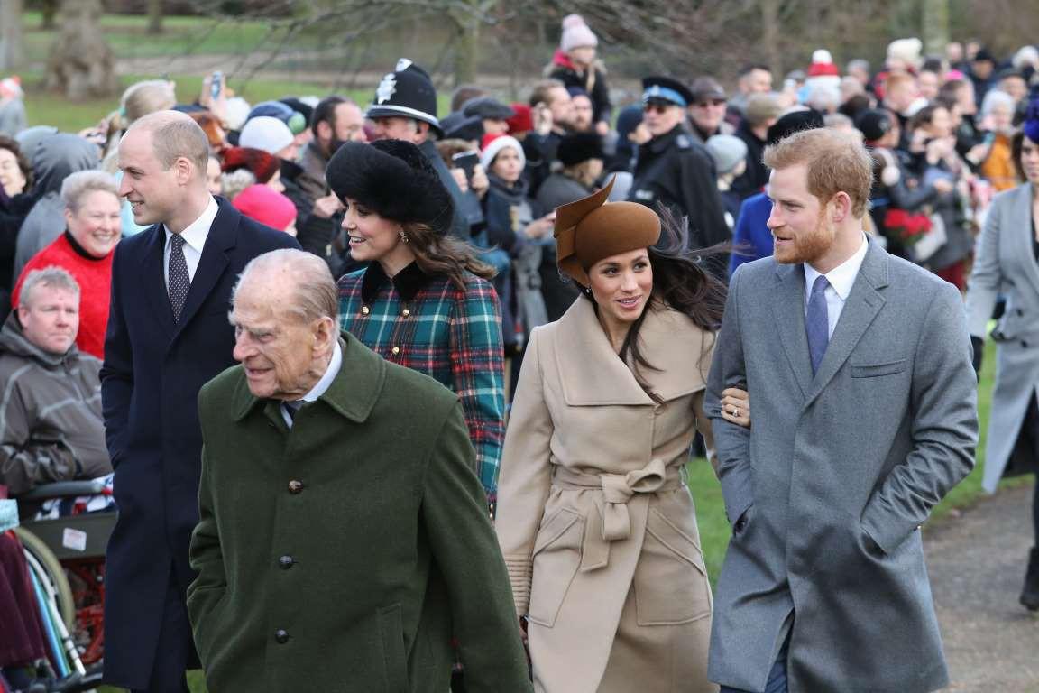 Những hình ảnh hiếm hoi cùng xuất hiện của 2 cặp đôi Hoàng gia William-Kate và Harry-Meghan - Ảnh 9.