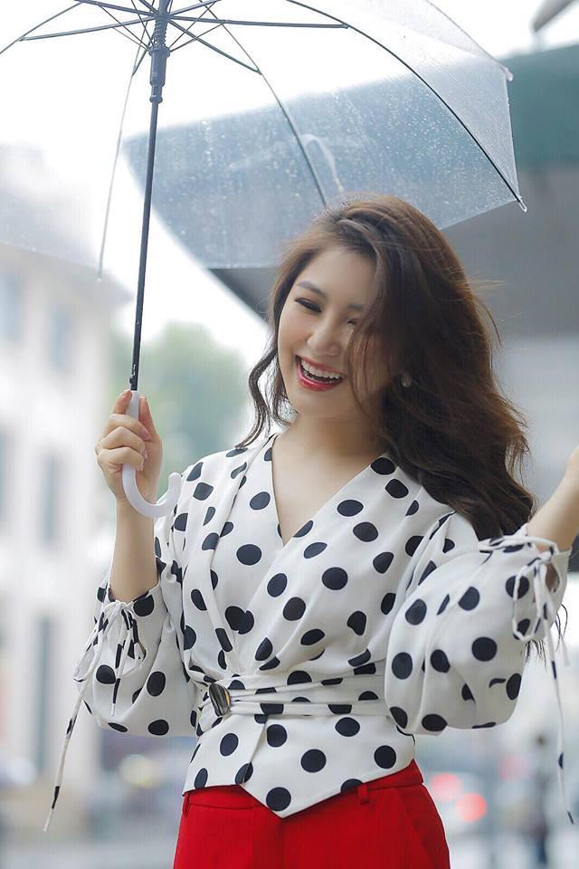 Hương Tràm: Tuổi 24 là bước chuyển mình để phụ nữ hơn - Ảnh 2.