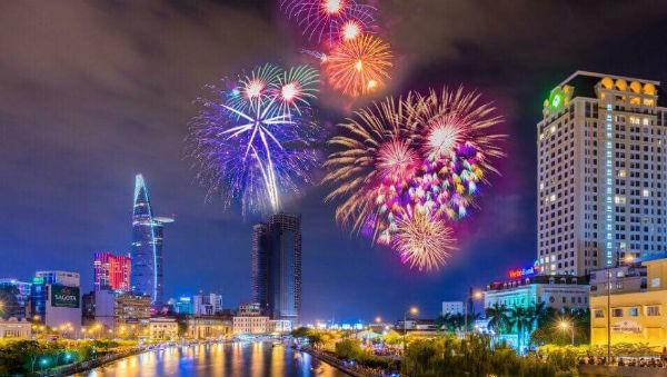 TP HCM tổ chức 2 điểm bắn pháo hoa chào năm mới 2019 - Ảnh 1.