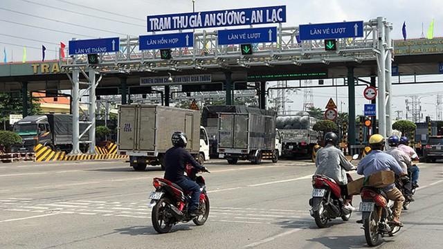 TP HCM: BOT An Sương – An Lạc xả trạm khi tài xế phản đối thu phí quá hạn 31 tháng - Ảnh 2.