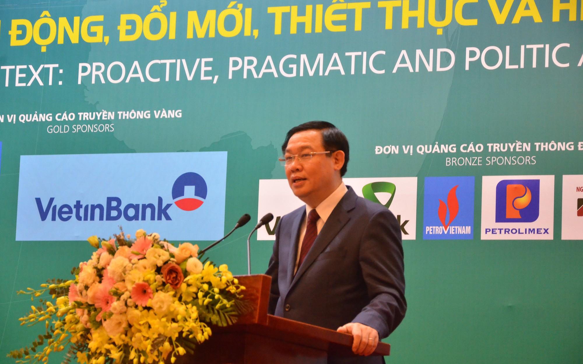 Kinh tế của Việt Nam đừng quá mải mê có thời cơ ngắn hạn nếu muốn ra biển lớn - Ảnh 1.