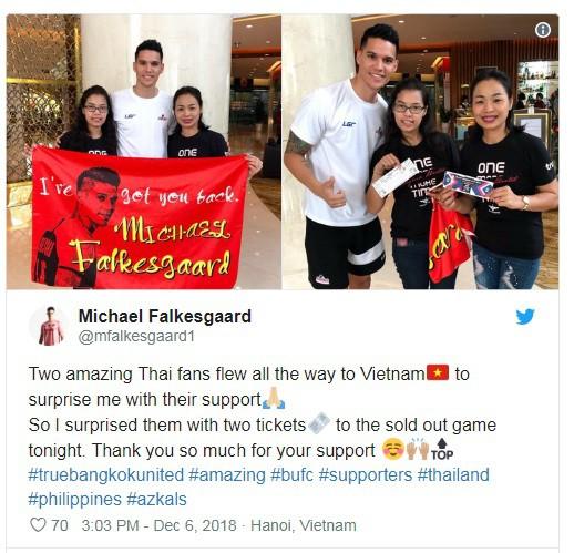 Đây liệu có phải cách lấy may đầy bất ngờ của thủ thành Phillipines trước trận quyết đấu với tuyển Việt Nam? - Ảnh 1.
