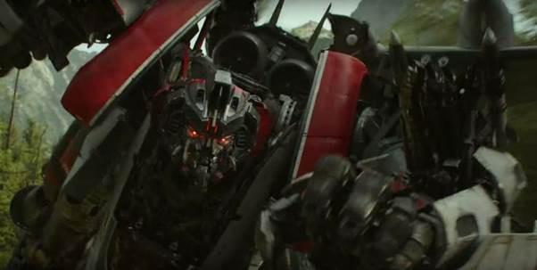 Phi đội kẻ thù không đội trời chung của Bumblebee- chú robot ong nghệ quả cảm trong bom tấn ngoại truyện  - Ảnh 2.