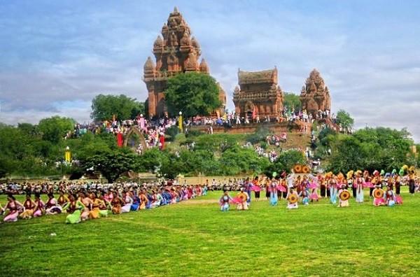 Ninh Thuận tăng cường các hoạt động dịp Tết Nguyên đán Kỷ Hợi thu hút khách du lịch - Ảnh 1.
