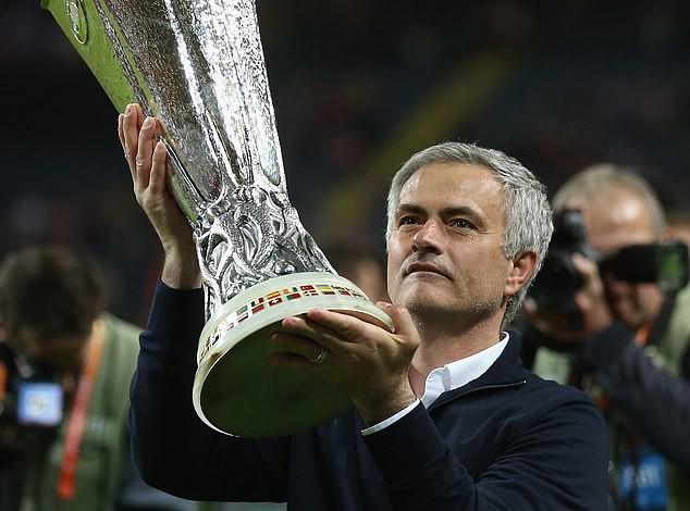 Nhận gói tiền khủng từ ManU, bất ngờ công việc hiện tại của Jose Mourinho - Ảnh 1.