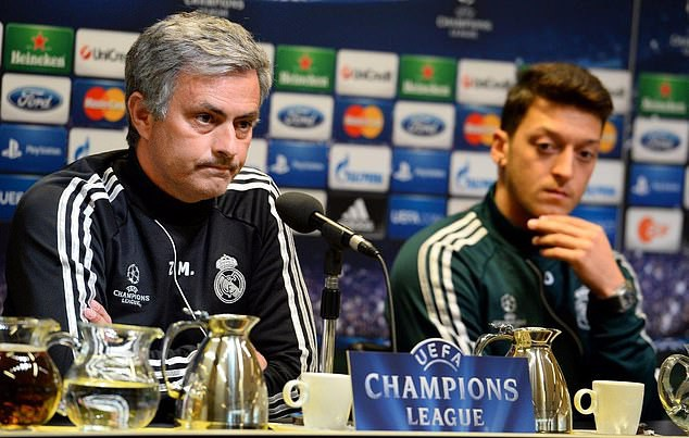 Nhận gói tiền khủng từ ManU, bất ngờ công việc hiện tại của Jose Mourinho - Ảnh 2.