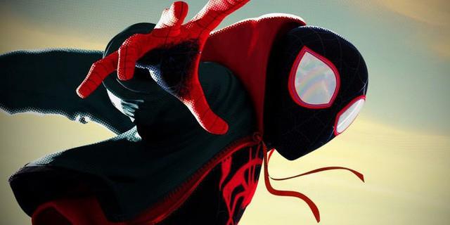 Sau khi giành giải Quả cầu vàng, Người nhện: Vũ trụ mới…trở lại vị trí thứ ba trên bảng xếp hạng doanh thu - Ảnh 2.