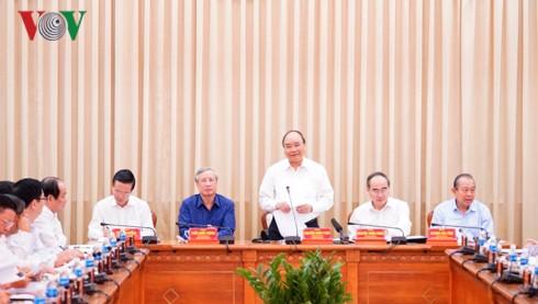 """Thủ tướng: Phải cùng """"xắn tay áo"""" đưa TPHCM sánh ngang các TP ở châu Á - Ảnh 2."""