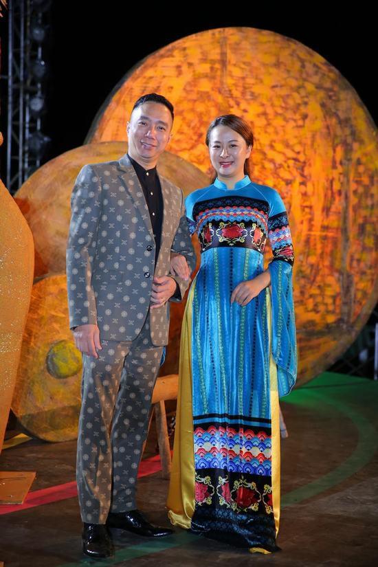 Hoa hậu Ngọc Hân: Thổ cẩm sẽ bước ra khỏi buôn làng để hòa nhập với môi trường lớn - Ảnh 1.