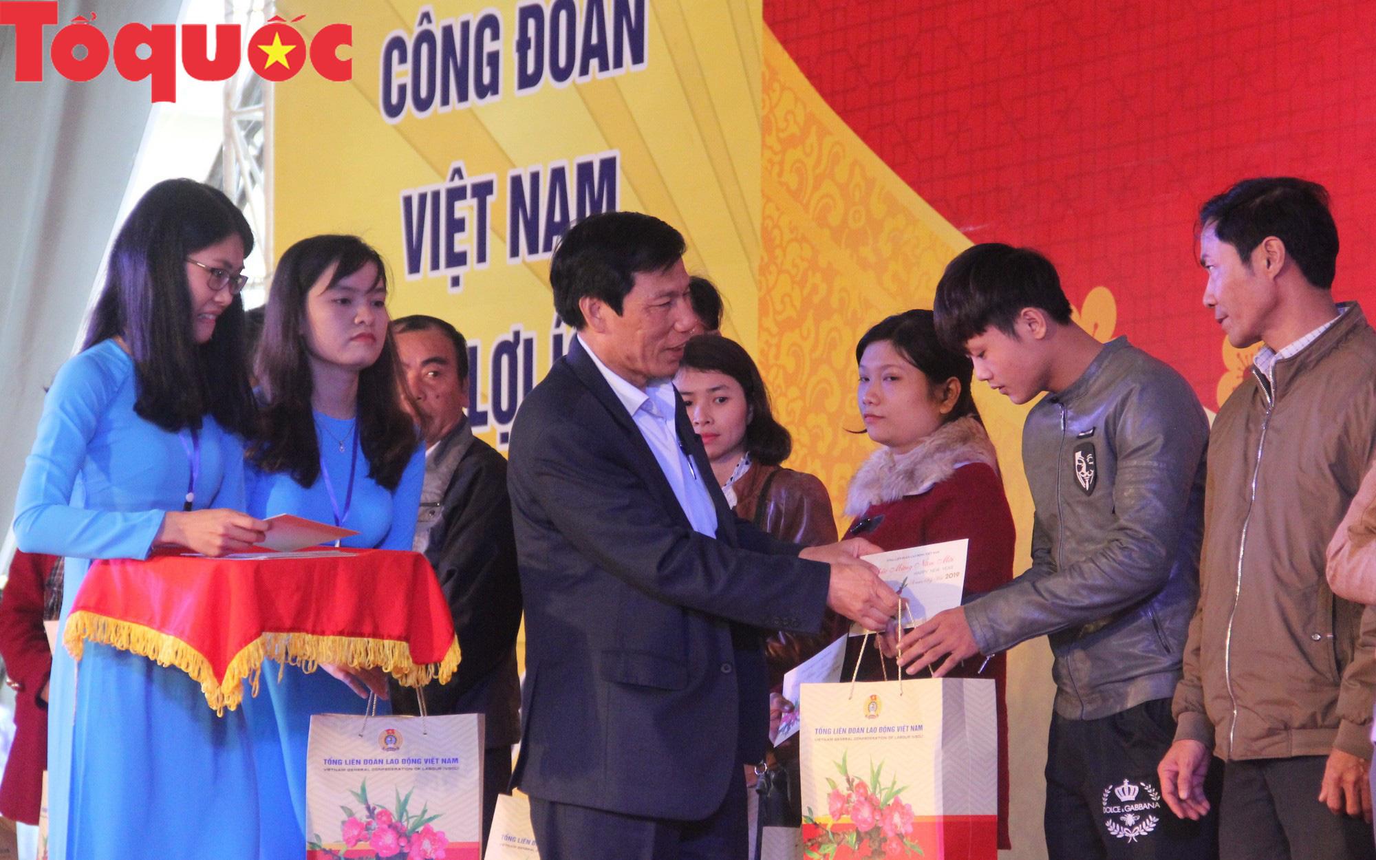 Bộ trưởng Nguyễn Ngọc Thiện vui