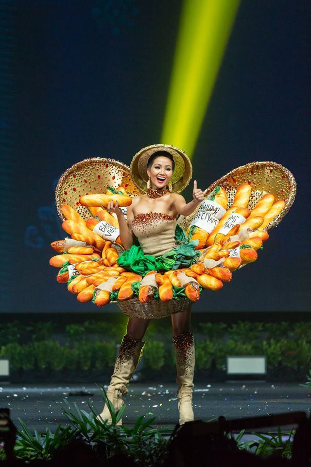 Thời trang Việt 2018: Bay cao trên trường quốc tế - Ảnh 11.