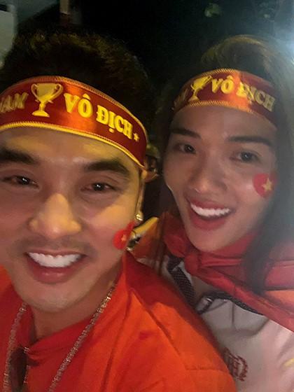 Sao Việt đi bão chúc mừng đội tuyển Việt Nam vào tứ kết Asian Cup 2019 - Ảnh 10.