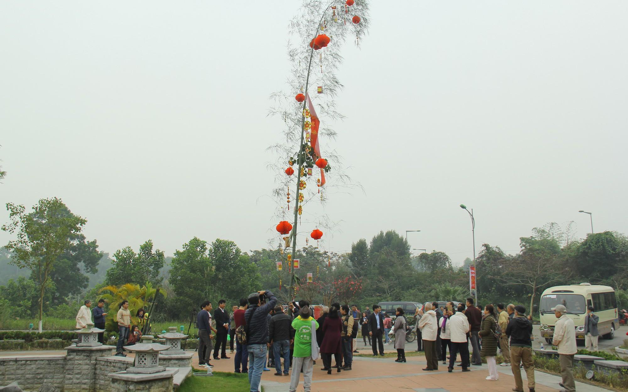 Độc đáo Lễ dựng cây nêu theo phong tục đón Tết tại