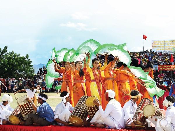 Ninh Thuận: Đón nhận Bằng xếp hạng Di tích Lịch sử cách mạng Khu tập trung Bà Râu - Ảnh 1.