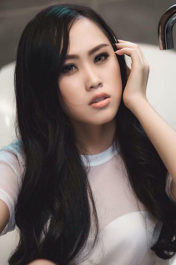 Vợ của Giám đốc nhà hát Kịch Hà Nội xinh đẹp không kém gì các hoa hậu, người mẫu.