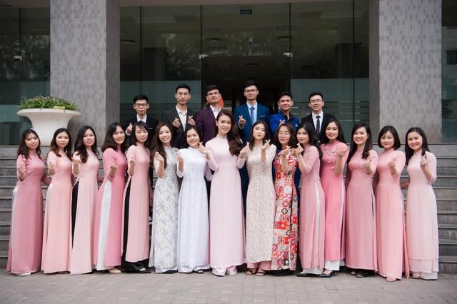 """""""Cô gái vàng"""" của """"làng"""" Hoa hậu Việt Nam tốt nghiệp ĐH Ngoại thương loại xuất sắc - Ảnh 14."""