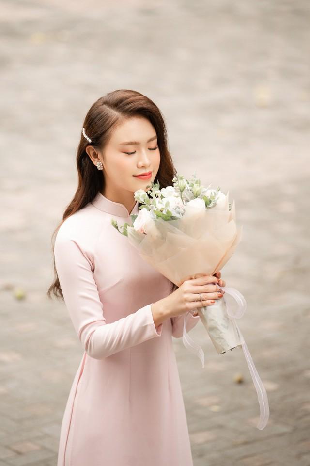 """""""Cô gái vàng"""" của """"làng"""" Hoa hậu Việt Nam tốt nghiệp ĐH Ngoại thương loại xuất sắc - Ảnh 3."""