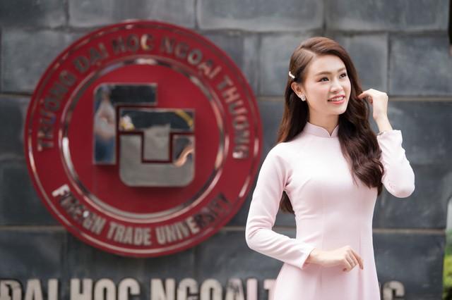 """""""Cô gái vàng"""" của """"làng"""" Hoa hậu Việt Nam tốt nghiệp ĐH Ngoại thương loại xuất sắc - Ảnh 4."""