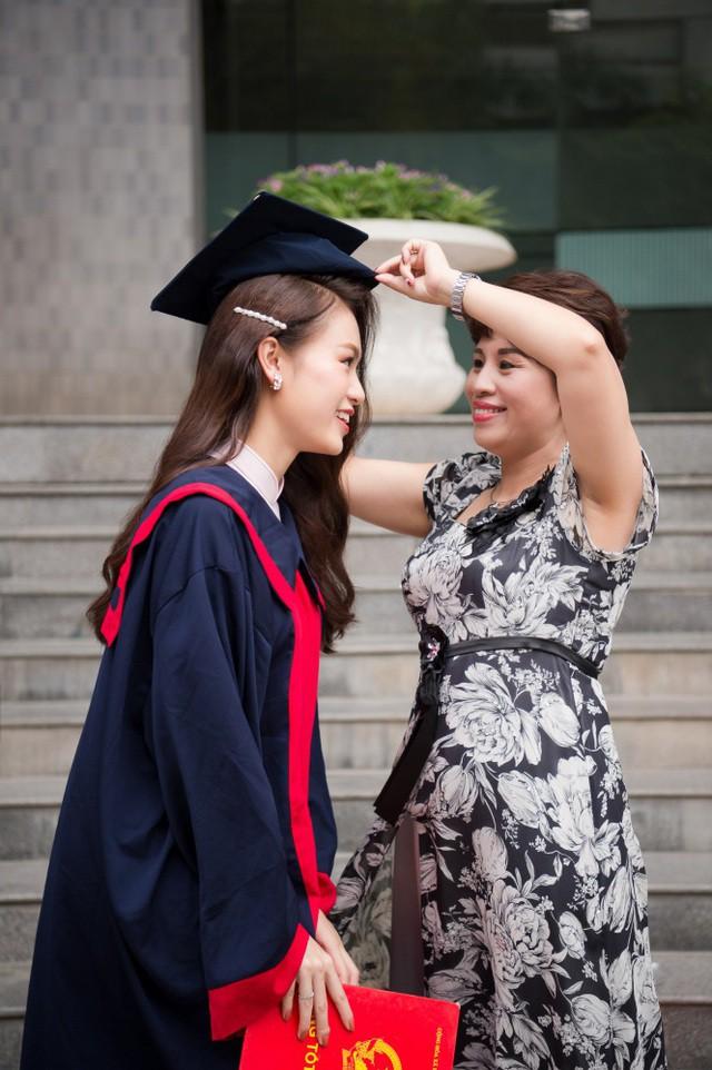 """""""Cô gái vàng"""" của """"làng"""" Hoa hậu Việt Nam tốt nghiệp ĐH Ngoại thương loại xuất sắc - Ảnh 8."""