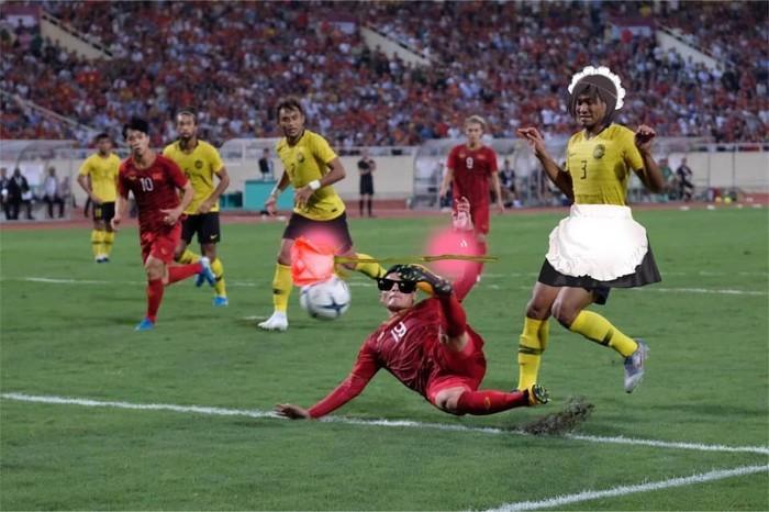 Chiến thắng của ĐT Việt Nam và cầu thủ Malaysia bỗng trở thành ảnh chế siêu hot trên mạng xã hội - Ảnh 6.