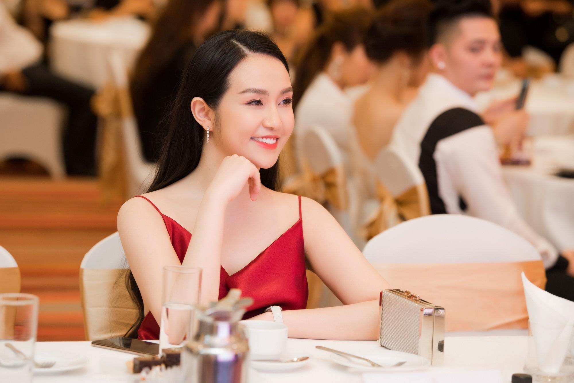 """Á hậu Tường San, Huyền My cùng """"động váy"""" tại sự kiện - Ảnh 11."""